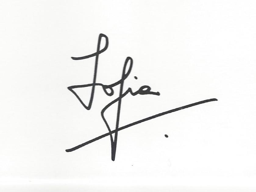 Queen Sofia Signature